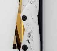 Nina Annabelle Märkl | Space 7 | Tusche auf gefaltetem Papier, Cutouts, Holz, Spiegelmetall, Plexiglas, | 79 x 28 x 20 cm | 2017