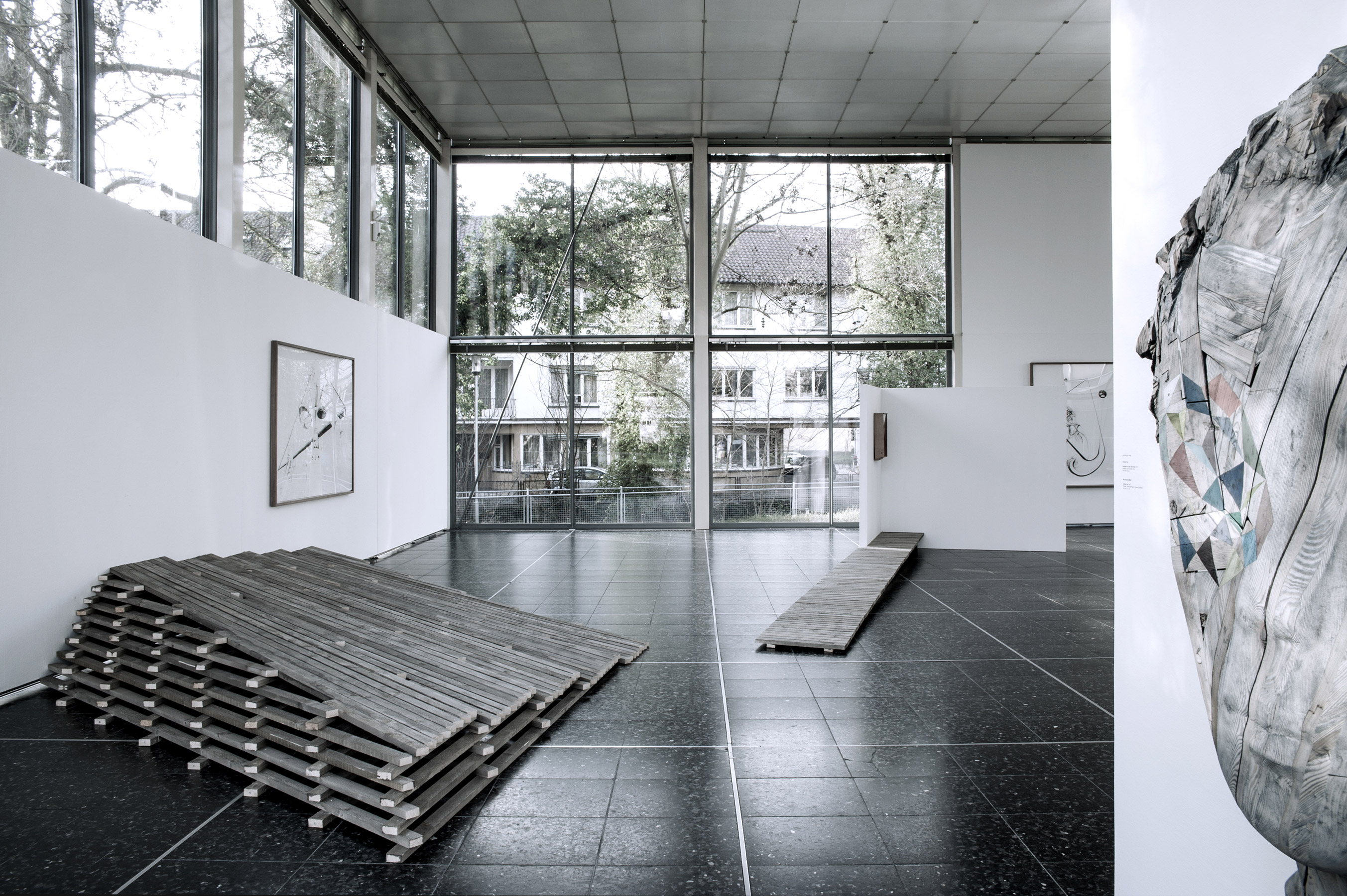 Nina Annabelle Märkl   Reinhard Voss   don't walk the line   Installationsansicht   Kunstverein Pforzheim   2014