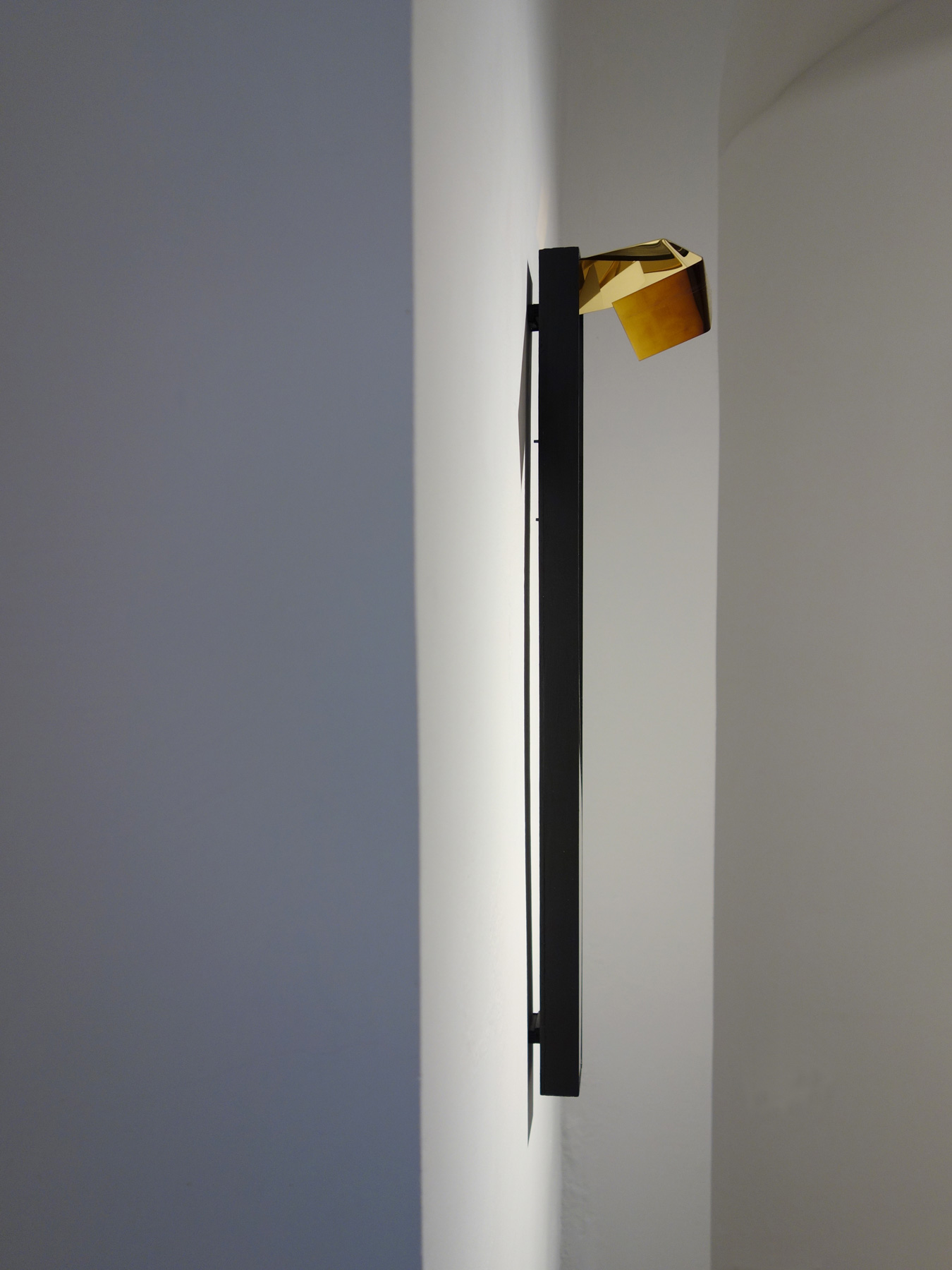 Nina Annabelle Märkl | Line and Space 2 | Ink on folded paper, wood, polished steel | 67 x 12 x 15 cm | 2017