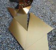 Nina Annabelle Märkl | Reflections | polished steel | 620 x 170 x 120 cm | 2018