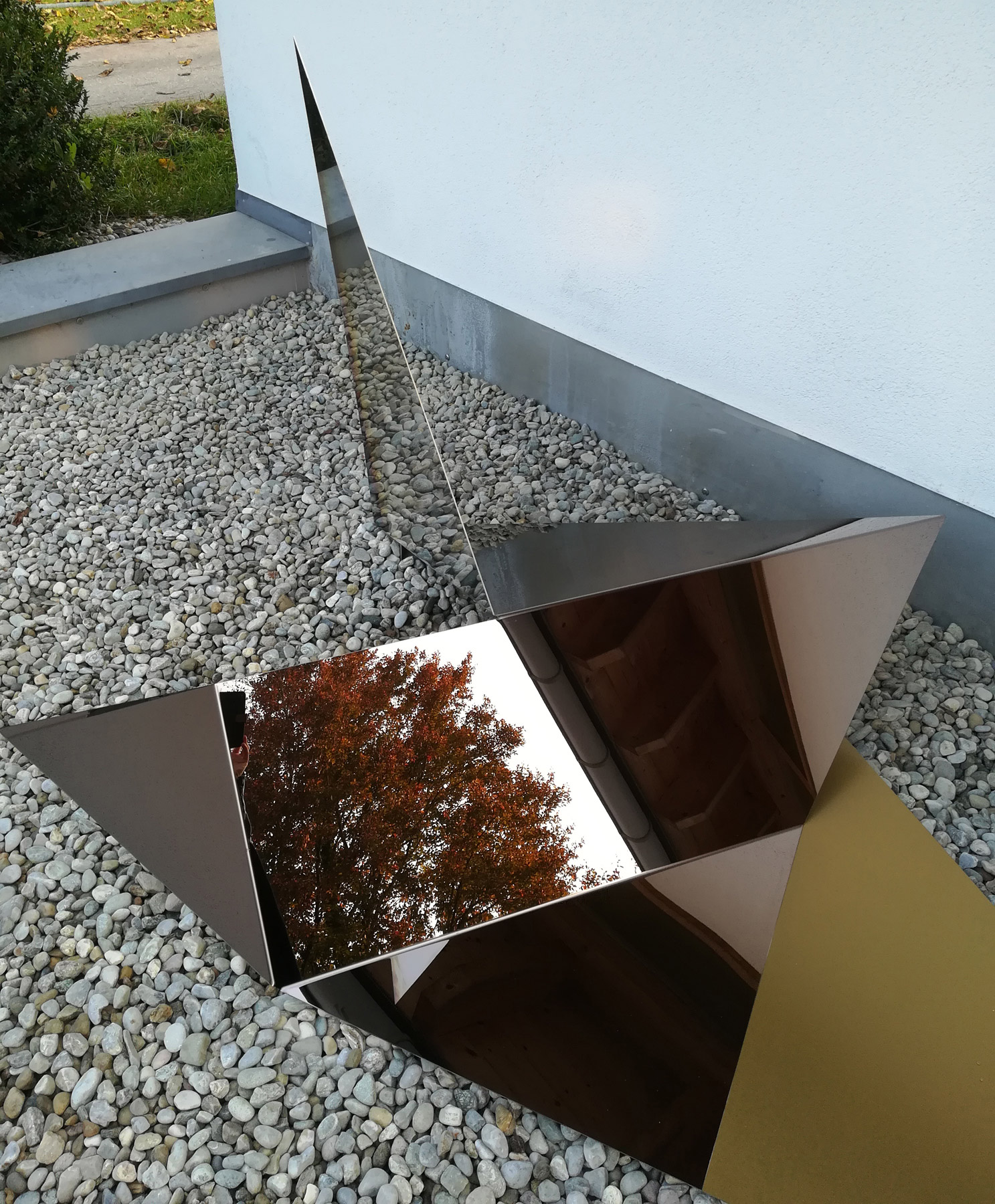 Nina Annabelle Märkl | Reflections | polished steel | 620 x 170 x 120 cm | 2018