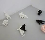 Mutares | Wesen aus Paperclay | je ca. 20 x 8 x 8 cm | Installation | Weltraum | 2020