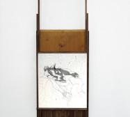 Wesen | Tusche auf Papier, Glas, Holz | 65 x 25 x 2 cm