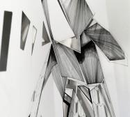 Double Folds 1 | 45 x 30 x 20 cm | Tusche auf gefaltetem Papier, Weißblech, Cutouts, Magnete